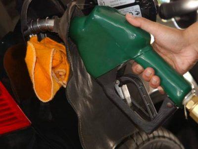 Aumento de imposto sobre combustíveis compromete crescimento, alerta economista Esther Dweck