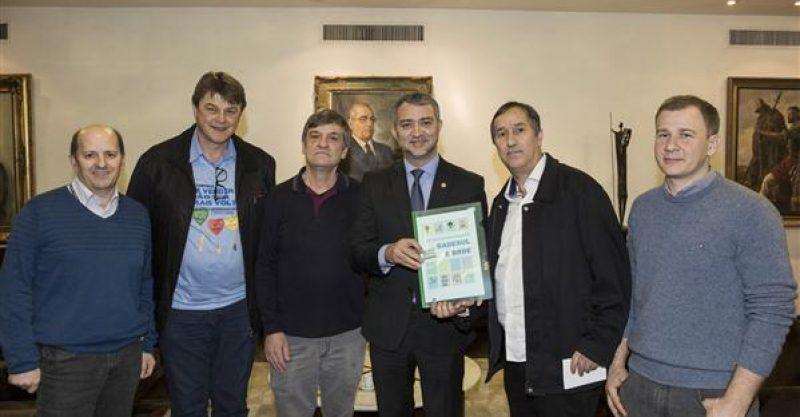 SindBancários entrega dossiê em defesa do Badesul e BRDE ao presidente da Assembleia Legislativa
