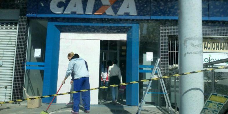 Sindicato vai à agência da Caixa invadida por criminosos para verificar condições de trabalho