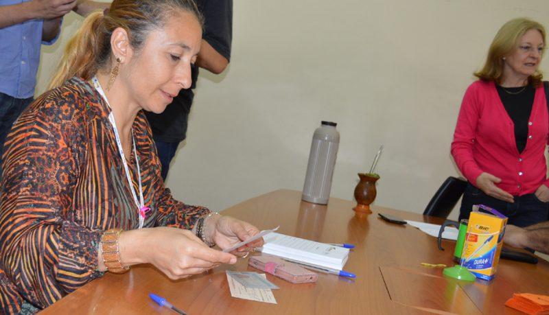 Sindicato começa a entregar cheques com valores incontroversos do processo de diferença de gratificação dos ex-empregados da BPD