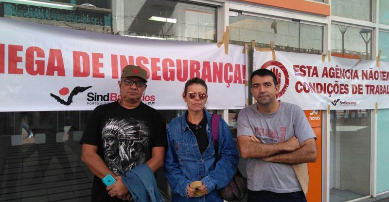 Agência do Itaú na Rua dos Andradas permanece fechada por falta de segurança a clientes e bancários