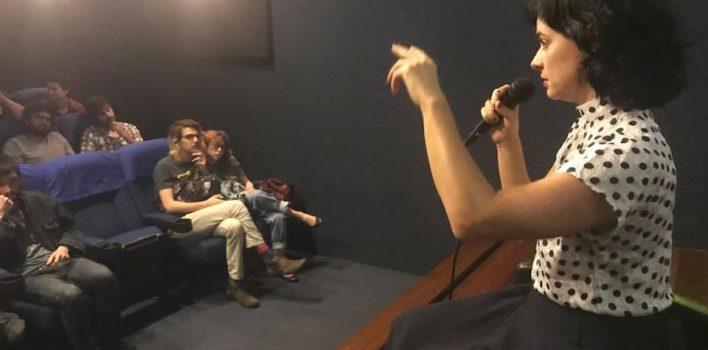 """Atriz de """"Pendular"""" debate arte em sessão comentada no CineBancários"""
