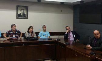 Frente Parlamentar, SindBancários e Fetrafi-RS estudam ação jurídica para enfrentar desmonte e venda de ações do Banrisul