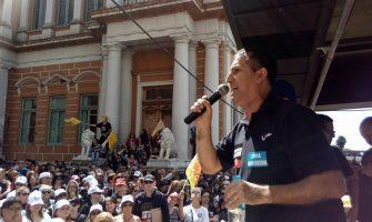 Presidente do SindBancários defende bancos públicos e repudia gestores que desmontam serviços públicos em ato de greve do Simpa