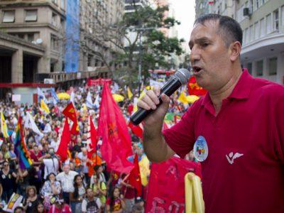 """Leia artigo """"Reforma trabalhista: um golpe no coração do trabalhador"""" do presidente do SindBancários publicado no Sul21"""