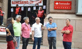Sindicato paralisa atividades do Santander em protesto nacional contra o banco, que desrespeita trabalhadores e o acordo coletivo