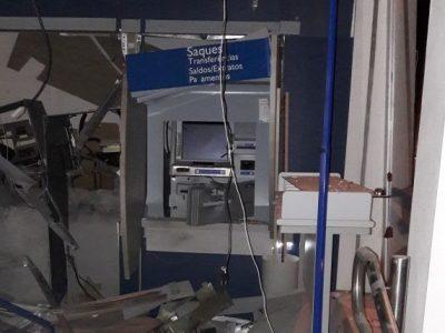 Criminosos explodem agência da Caixa em Encruzilhada, cidade com um só brigadiano no policiamento