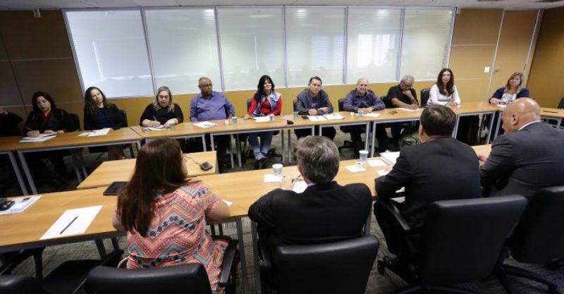 Trabalhadores entregam proposta de programa pela diversidade nos bancos à Fenaban