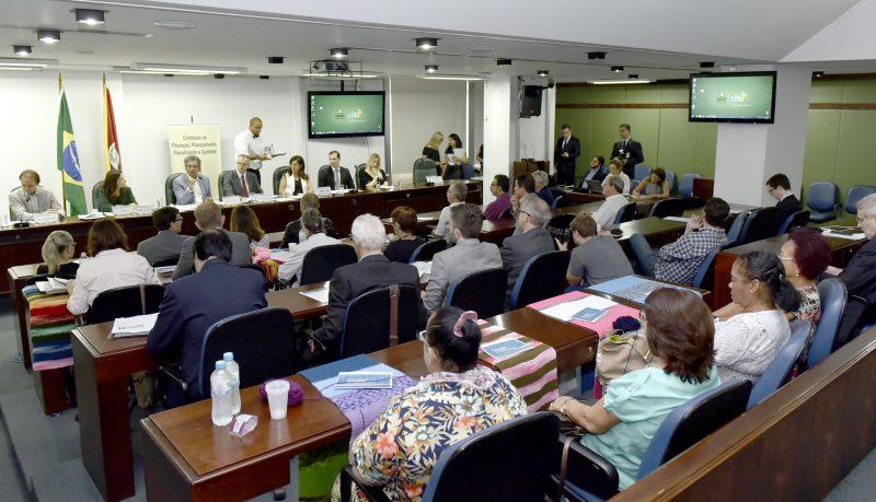 Comissão de Finanças da Assembleia Legislativa vai questionar direção do Banrisul sobre venda de ações