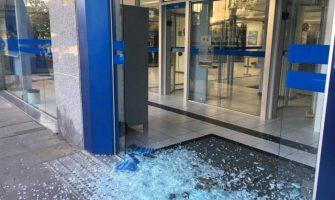 Caixas eletrônicos do Sicredi e Banrisul são atacados em Picada Café
