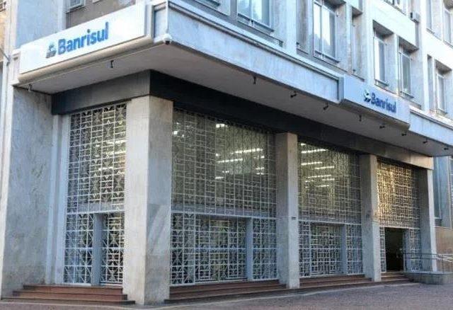 """Sindicato conquista vitória para """"extraquadros"""" do Banrisul"""
