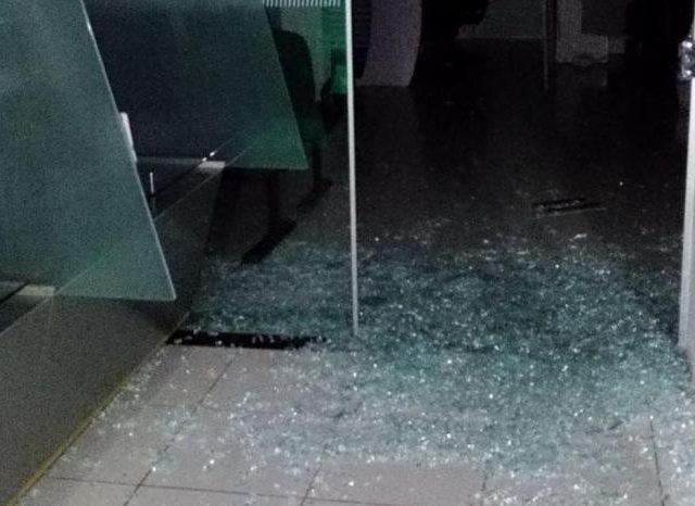 Quadrilhas atacam agências bancárias em Itacurubi e Ibiraiaras, ...