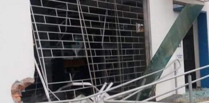 Criminosos explodem agência do Banrisul em Dilermando de Aguiar, na região Central do RS