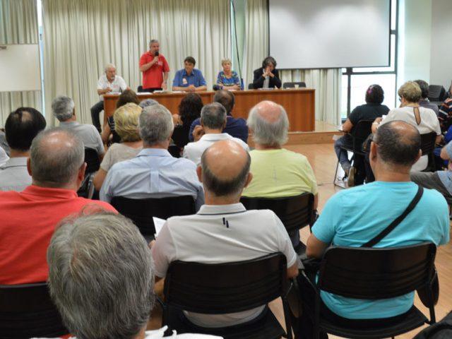 Aposentados do Santander se reúnem na Casa dos Bancá...