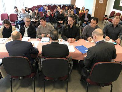 Comando reafirma renovação de acordo coletivo e busca avanços em cláusulas que abrangem todos os Banrisulenses na terceira mesa com o Banrisul