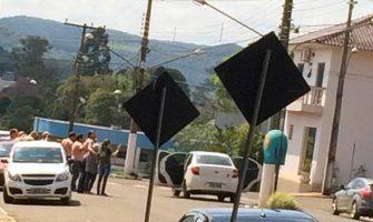 Criminosos fazem reféns e atacam dois bancos no município de Paim Filho