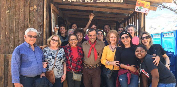 Grande almoço gauchesco marca visita de aposentadas da Caixa ao Piquete dos Bancários, no dia 18/09