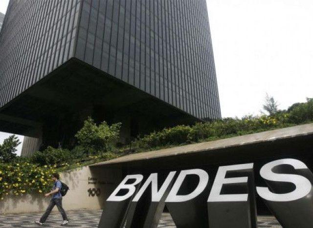 BNDES: direção insiste em reajuste zero aos empregados