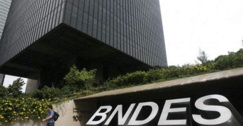 BNDES segue Fenaban, mas quer retirar conquista do vale-transporte