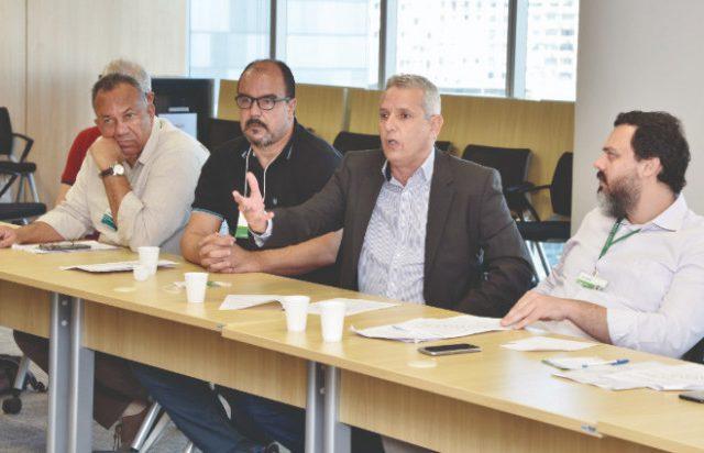BNDES se compromete a apresentar proposta a empregados ainda nesta ...