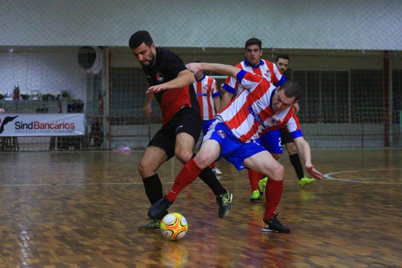 5023c45772 ... do futebol sete. O Santander Bairro perdeu na final do F7 para o  Bradesco FC. Torneio