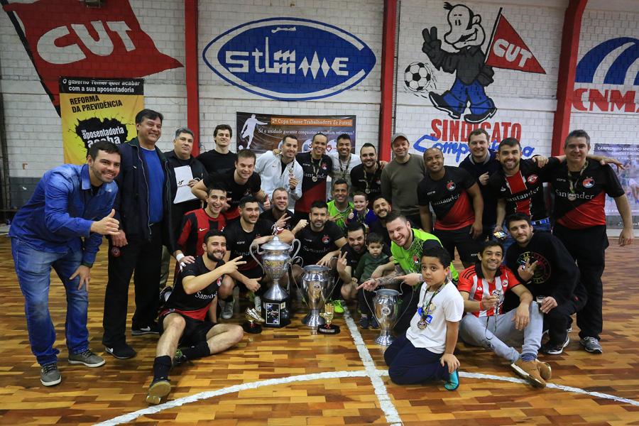 ffd093778f Santander Bairro consolida força no futebol bancário ao conquistar título  do futsal 2018