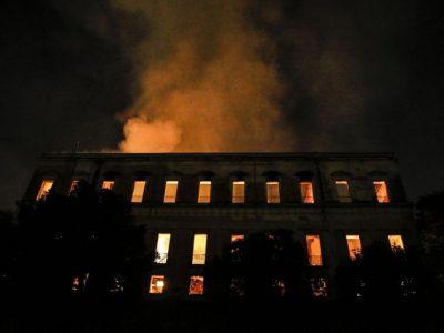 Museu Nacional: política do Estado mínimo destrói tudo o que é público