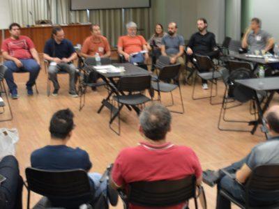 Delegados(as) sindicais debatem as ameaças sobre os direitos dos trabalhadores e a democracia em risco no Brasil