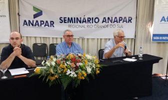 """""""Capitalização é destruição da previdência pública"""", alerta seminário da Anapar em Porto Alegre"""