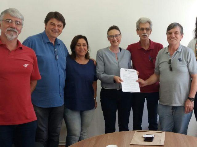 Entidades se reúnem com Maria do Rosário e ...