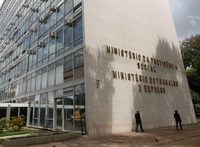 Contraf-CUT repudia anúncio de extinção do Ministério ...