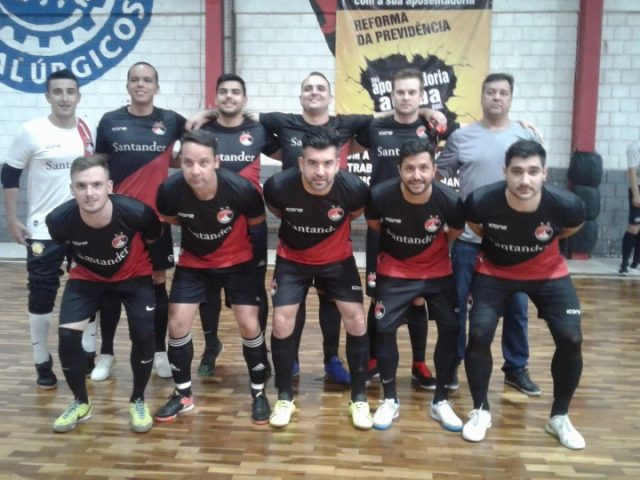 Santander Bairro FC sobrevive a duelo semifinal bancário na ...
