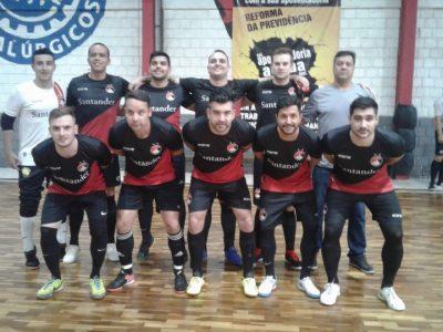 Santander Bairro FC sobrevive a duelo semifinal bancário na Copa Classe Trabalhadora e decide competição de futsal na segunda, 26/11