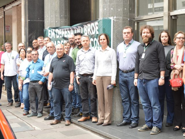 SindBancários convoca colegas do BRDE para assembleia de decisã...