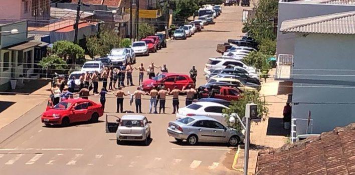 Ataques a agências bancárias com cordão humano levam desespero a duas cidades no Norte do RS e deixam bancário morto
