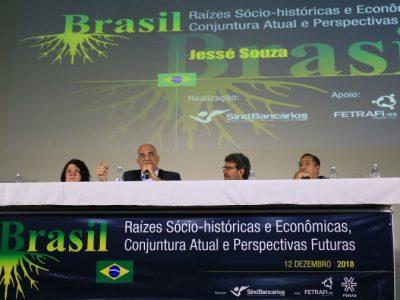 Jessé Souza desmonta a enganação de que somos vítimas em palestra na Fetrafi-RS