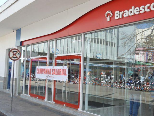 Bancários paralisam agências em Porto Alegre e dã...