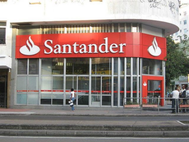 No RJ, Santander demite bancário com estabilidade pela segunda ...