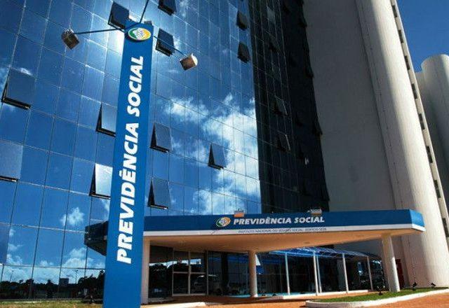 Justiça Federal no DF suspende volta ao trabalho presencial ...