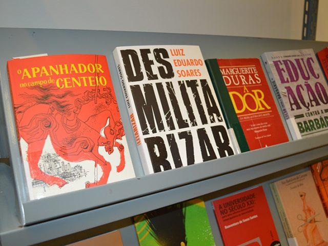 """Biblioteca do Sindicato tem nova edição de """"O Apanhador ..."""