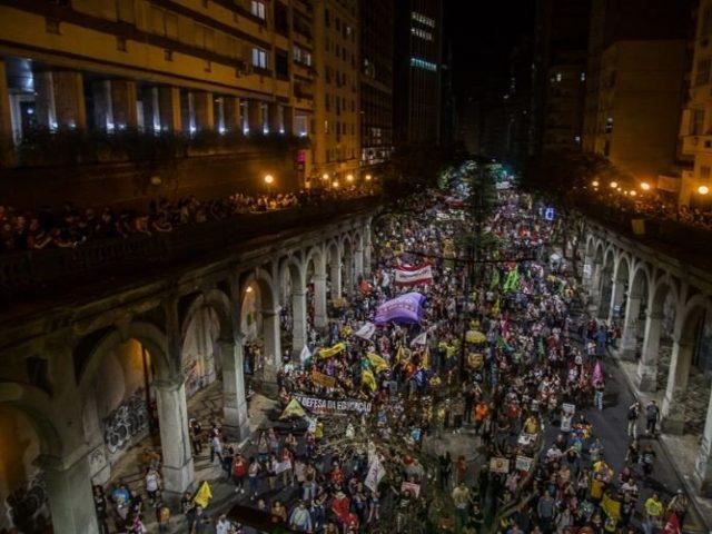 Greve geral vence violência ao tomar ruas