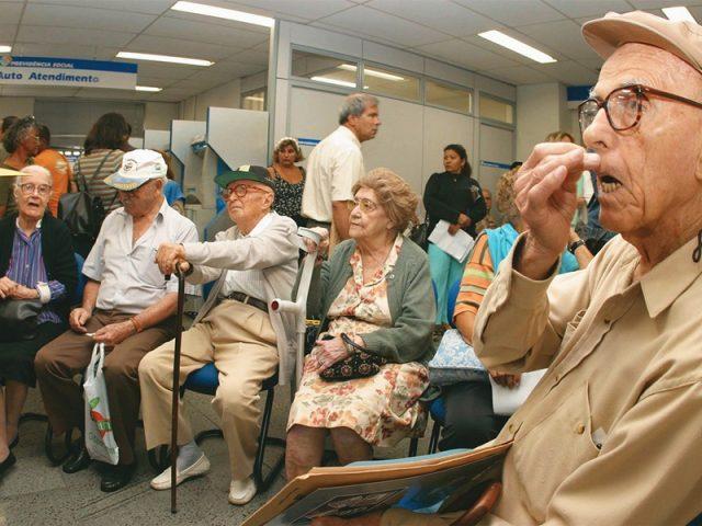 Brasileiros começam a dar adeus à aposentadoria