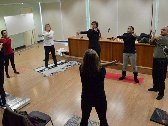Aulas de yoga para bancários têm novo horá...
