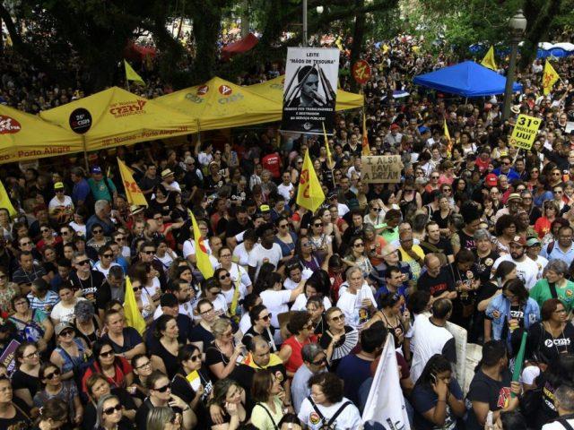 SindBancários repudia violência gratuita da BM de Leite ...