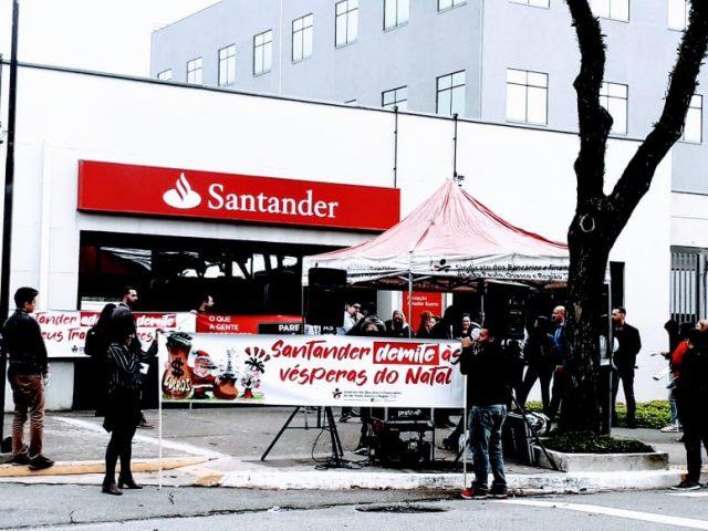 Santander é alvo de protestos por práticas contra trabalhadores