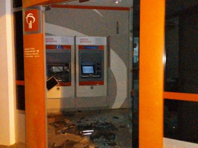 Criminosos atacam banco com explosivos em Paraíso do Sul