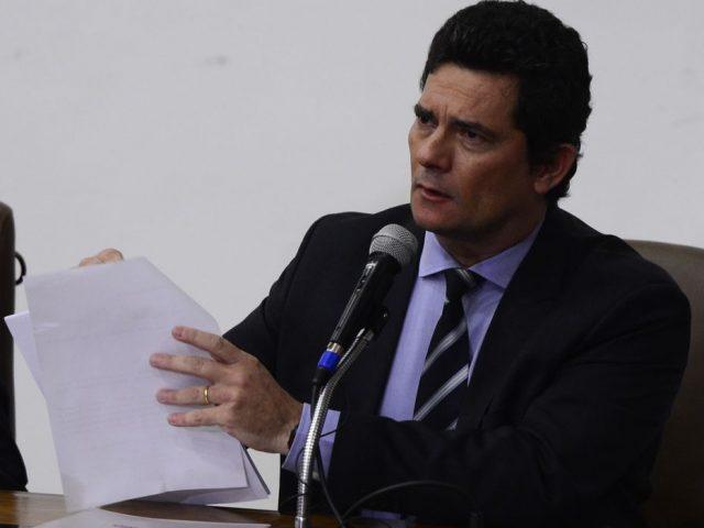 Moro cai do Ministério da Justiça acusando Bolsonaro