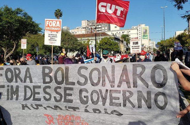 Milhares protestam em Porto Alegre contra racismo e fascismo e ...
