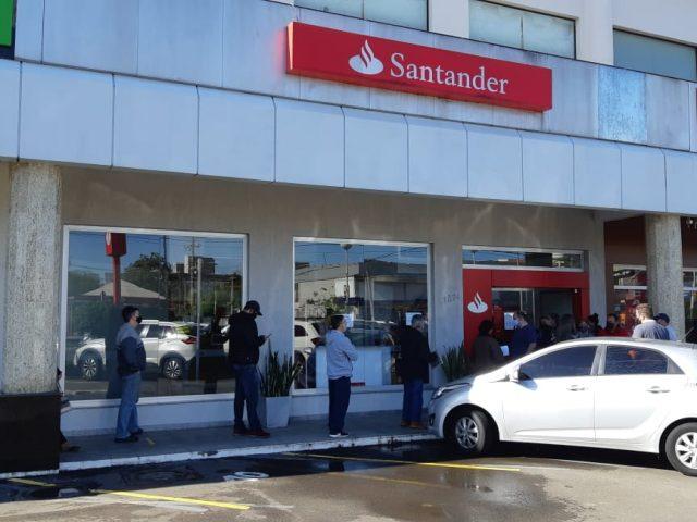 Santander brinca com a saúde dos(as) bancários(...