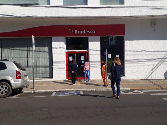Sindicato fiscaliza protocolos no Bradesco de Gravataí